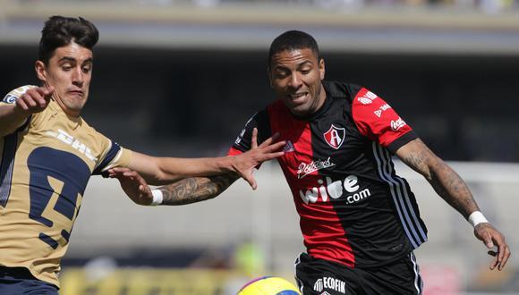 Atlas sumó su segunda derrota consecutiva este domingo tras perder en su visita a Pumas UNAM. El peruano Alexi Gómez fue titular; pero lo cambiaron en el entretiempo. (Foto: EFE)