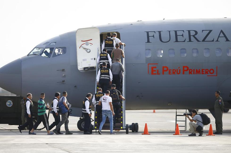 Esta tarde un grupo de ciudadanos venezolanos fueron expulsados del país por tener antecedentes policiales. (Foto: Francisco Neyra/GEC)