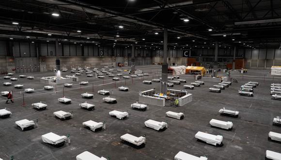 Una vista general del hospital temporal establecido en un pabellón en el centro de convenciones y exposiciones IFEMA en Madrid. (Foto: AFP)