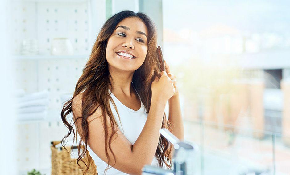 El shampoo seco de Pantene contiene tapioca –almidón de la yuca–, un absorbente natural de la oleosidad, para que tu cabello se vea radiante y ligero.
