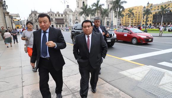 José Luna Gálvez (der.) había pedido licencia a su partido para afrontar las investigaciones en su contra. (Foto: GEC)