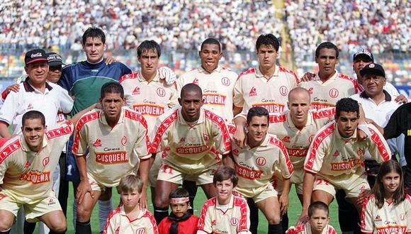 Universitario de Deportes y su equipo tricampeón nacional del año 2000. (Foto: Archivo El Comercio).