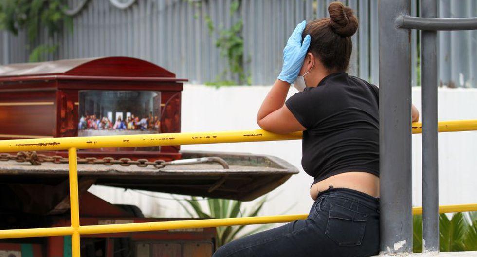 Ecuador tiene 22.719 contagios, tras incluir resultados de miles de pruebas rezagadas, de los cuales unas 576 murieron y otras 1.060 personas probablemente fallecieron por el virus, según datos oficiales. (Foto: AFP / Enrique Ortiz)