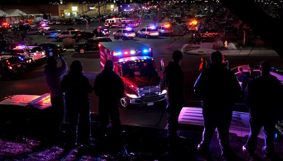 La policía llegó al Walmart de Thornton, Colorado. (Foto: Reuters)