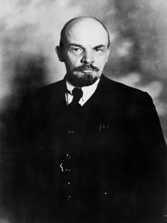 Retrato del 16 de octubre de 1918 de Vladimir Illyich Ulianov (1870-1924), mejor conocido como Lenin. (AFP)<br>