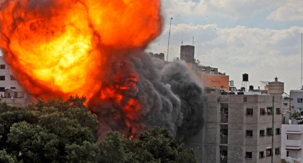 At least 83 Palestinians killed, 17 of them children, in Israel's heavy bombing of Gaza