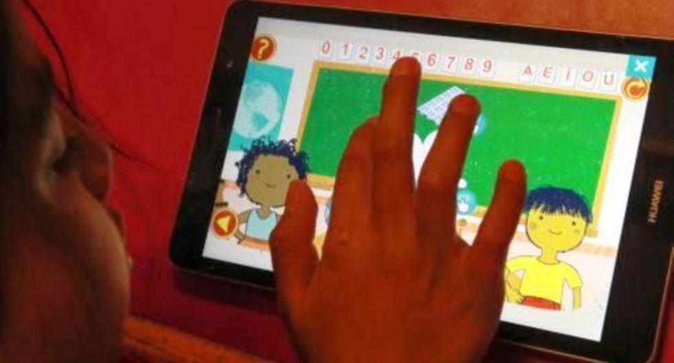 Como apoyo complementario, el Ministerio de Educación habilitó clases por televisión y radio, desde las 10:00 am (Foto: Andina)