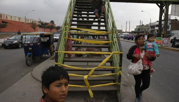 Comas: escolar grave tras caer de puente peatonal en mal estado