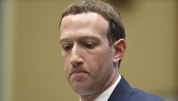 Mark Zuckerberg afirmó que pese a lo ofensivo que resulta leer mensajes de negacionistas del Holocausto, ellos tienen un lugar en Facebook. (Foto: AFP)