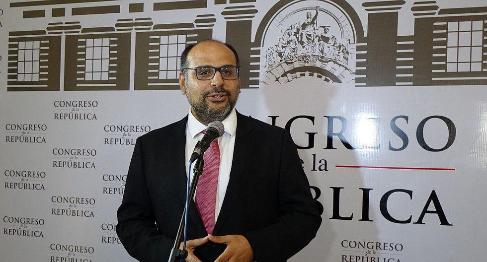 El ministro de Educación, Daniel Alfaro, defendió la política de implementar un enfoque de género en la currícula. (Foto: GEC)