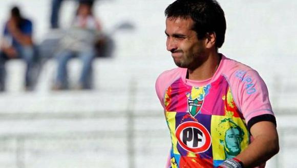 Arquero rindió tributo a Cerati usando camiseta con su rostro