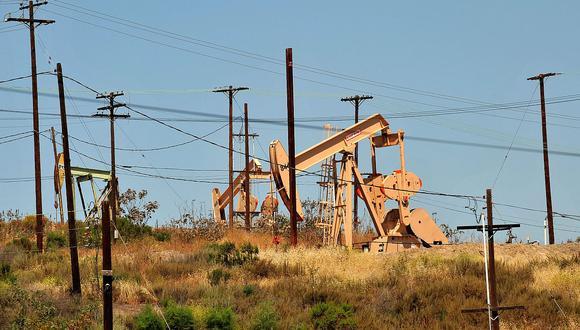 Los precios del petróleo se han derrumbado por las restricciones impuestas por la crisis sanitaria del coronavirus. (Foto: AFP)