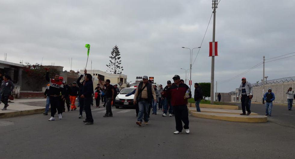 Esta mañana empezaron las movilizaciones en la ciudad de Mollendo, capital de la provincia de Islay. (Foto: Zenaida Condori)