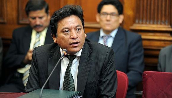 El profesor que acusó a Cenaida Uribe denuncia represalia