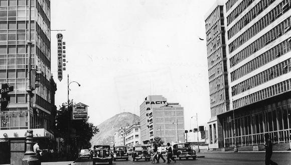La avenida Abancay en todo su esplendor. Postal de 1965. Foto: GEC Archivo Histórico