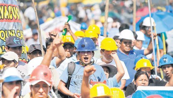 Marcha de mineros ilegales: miles seguirán hoy con protestas