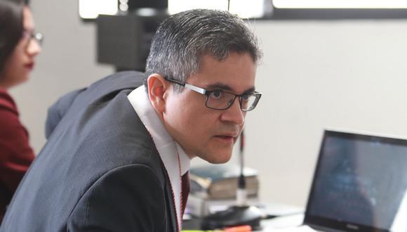 El fiscal José Domingo Pérez acudió al allanamiento del estudio Oré Guardia Abogados, vinculado a Keiko Fujimori y Fuerza Popular. (Foto: USI)