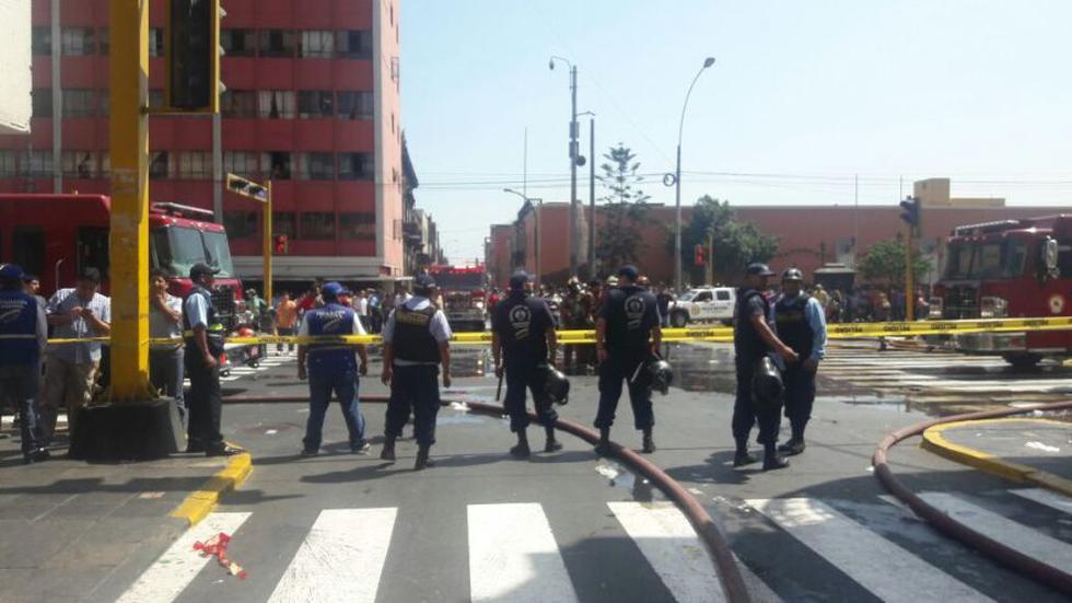 Cercado de Lima: incendio afecta casona de Av. Tacna [FOTOS] - 15