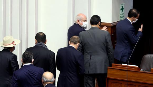 Pedro Cateriano y los integrantes de su Gabinete abandonaron el hemiciclo a las 5:35 de la mañana de este martes. (Foto: PCM)