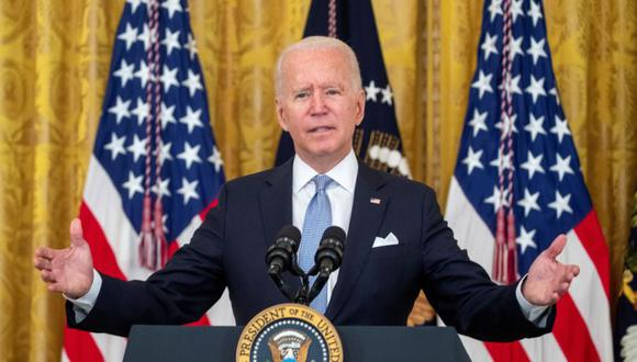 El presidente de los Estados Unidos, Joe Biden, pronuncia declaraciones sobre los esfuerzos para vacunar a más estadounidenses y la propagación de la variante Delta en el East Room de la Casa Blanca en Washington, DC (Estados Unidos). (Foto: EFE / EPA / SHAWN THEW).