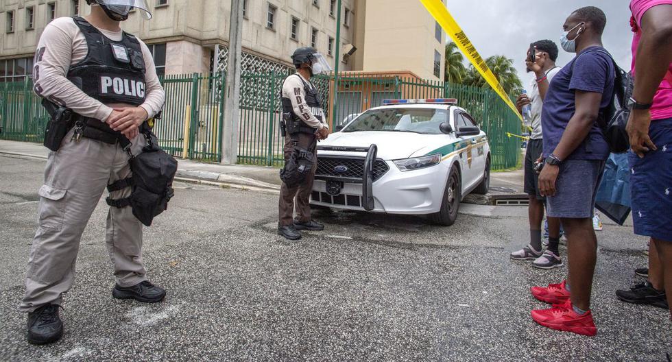 En medio de protestas, policías de Florida crearán manual de uso de la fuerza. (EFE/EPA/CRISTOBAL HERRERA)