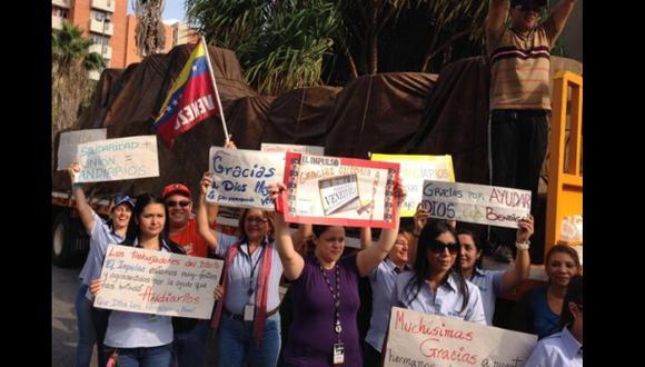 Llegó primer cargamento de papel periódico donado a Venezuela