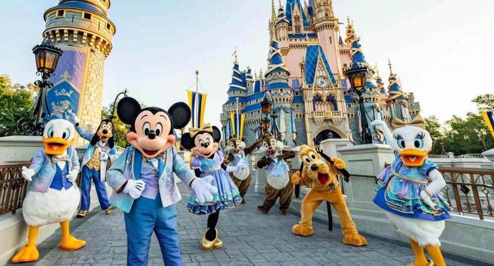 El icónico Castillo de la Cenicienta –todo un símbolo para la marca Disney, en especial para el parque Magic Kingdom– se ha renovado completamente como parte de la celebración por los 50 años de Walt Disney World (Orlando). Fotos: The Walt Disney Company.