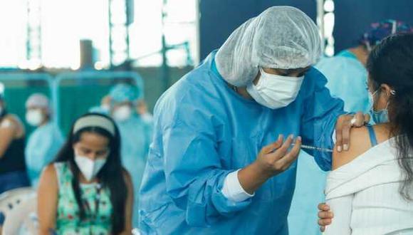 La CCL sostuvo que una vez que las empresas privadas puedan importar vacunas, el Minsa y la Digemid deben ser responsables de hacer un seguimiento de la distribución y aplicación de las dosis. (Foto: Minsa)