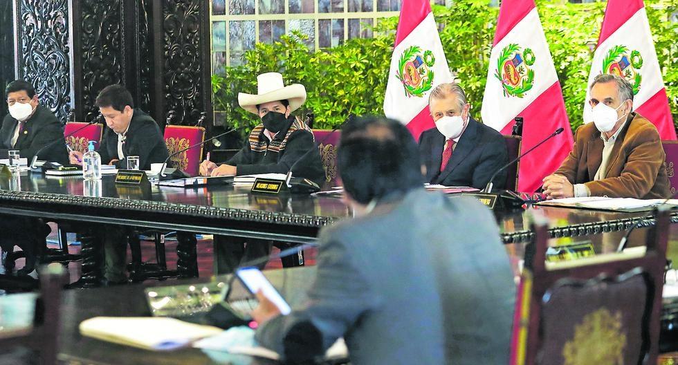 Pedro Castillo participa en las sesiones, pero casi no interviene. (Foto: Presidencia de la República)