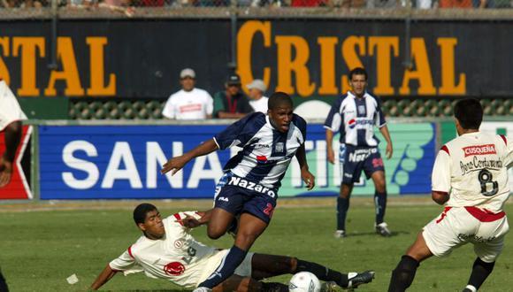 Jefferson Farfán jugó ante Universitario de Deportes entre 2002 a 2004. (Foto: Enrique Cúneo / Archivo El Comercio)