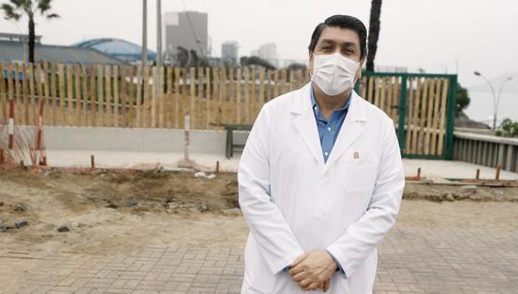 Augusto Cáceres Viñas, médico de profesión, tiene mayoría en el concejo distrital con seis de nueve regidores. Los vecinos a favor de la revocatoria señalan que en su gestión no hay concertación ni diálogo. (Foto: César Campos/GEC)