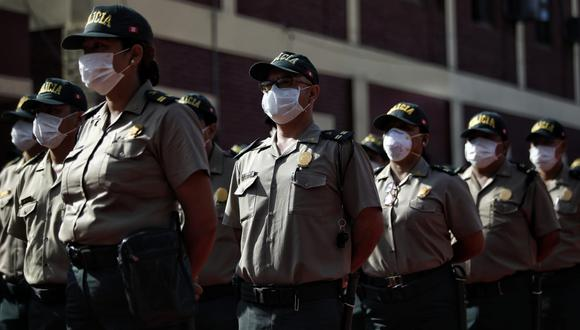 Policías se encuentran alertas vigilando las calles en quinto día de estado de emergencia. (Foto: Miguel Yovera/GEC)