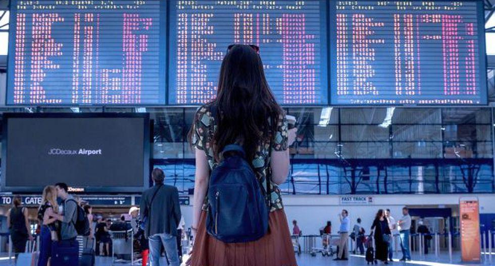 El 'jet lag' sucede cuando pasamos por varios husos horarios durante un vuelo. (Foto: JESHOOTScom en Pixabay. Bajo licencia Creative Commons)