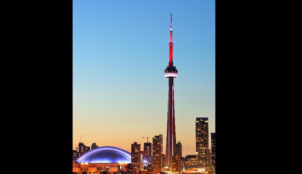 El restaurante de la CN Tower gira 360° y ofrece un menú a US$45. (Foto: iStock)