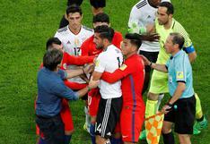 Joachim Löw ingresó al campo tras mala reacción de Claudio Bravo contra Emre Can