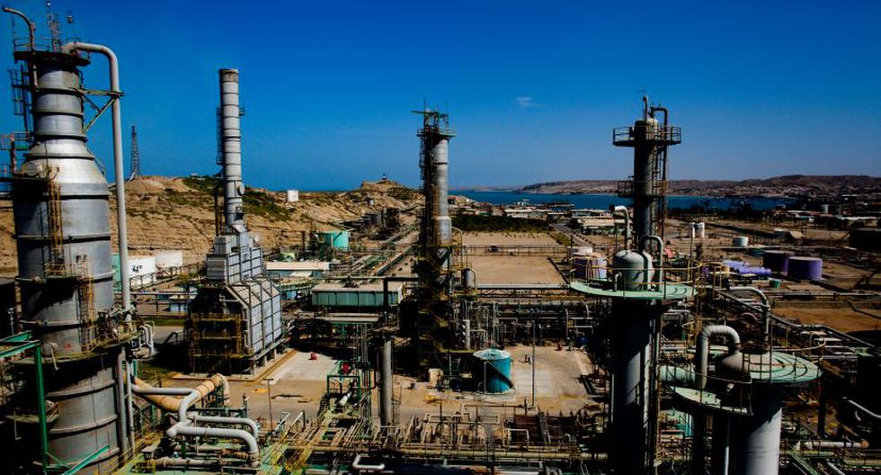 Paredes aseguró que en la actualidad hay más de 8.000 trabajadores laborando en la construcción de la refinería. (Foto: EFE)