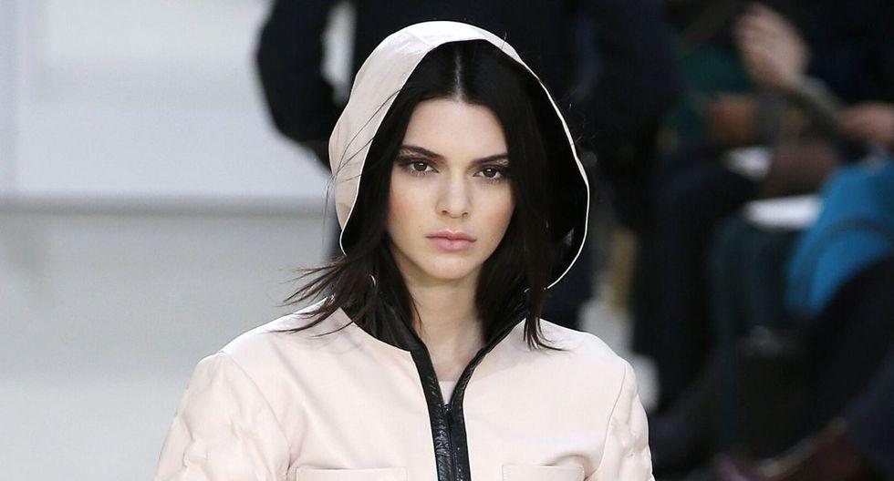 Kendall Jenner se dejó ver con un abrigo notablemente grueso. (AFP)