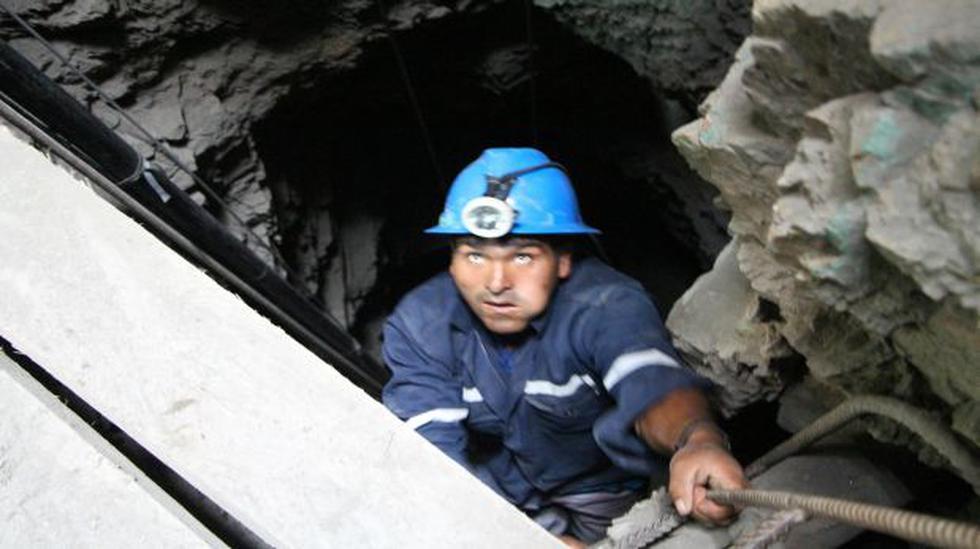 Arequipa: recuperan cuerpo de minero atrapado tras 38 días - 2