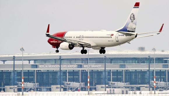 """""""Vamos a enviar la factura total a Boeing"""", afirmó Lasse Sandaker-Nielsen, gerente de comunicaciones y contacto de prensa en Norwegian. (Foto: EFE)"""