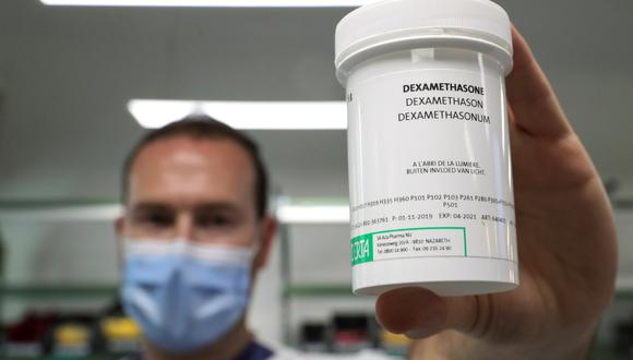 Un frasco de dexametasona usado en el Erasme Hospital en Bruselas. (REUTERS/Yves Herman)