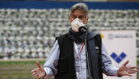 """""""Por favor, esa no es manera de hacer política en ninguna parte del mundo y menos en el Perú en un momento tan crítico"""", dijo Sagasti. (Foto: Jorge Cerdán / GEC)"""