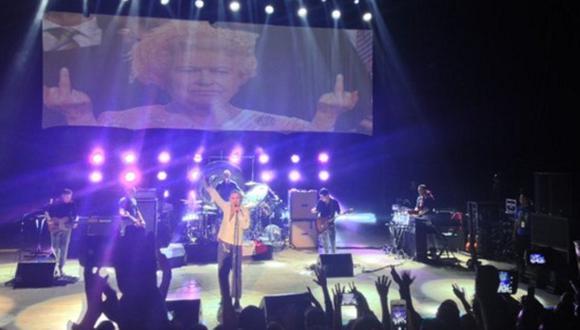 """Morrissey cantó """"El cóndor pasa"""" durante show en Lima [VIDEO]"""