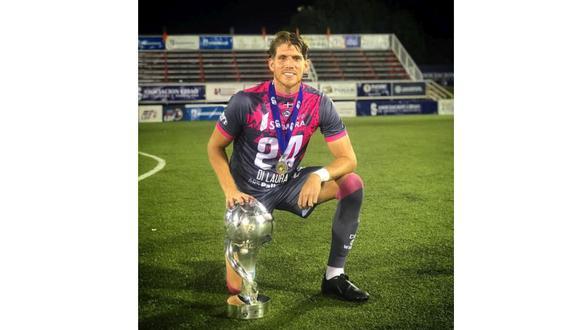 Gianluca Di Laura, campeón con el Pantoja de la Liga dominicana de fútbol. FOTO: Facebook personal.