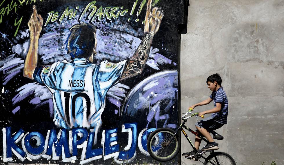 La historia menos conocida sobre los orígenes de Lionel Messi y que se revela en el primer recorrido turístico dedicado al capitán de Argentina y el Barcelona lanzado recientemente por la alcaldía de Rosario. (Foto: AP)