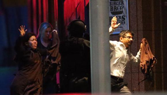 Sidney: Policía ingresó al café y puso fin a toma de rehenes