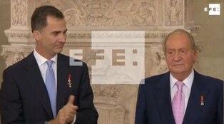 El rey Juan Carlos decide abandonar España