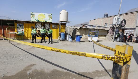 Un asesino a sueldo con capucha ingresó al negocio de Hilda Gabriel (51) y le disparó en la cabeza. La policía llegó minutos después. (Foto: Violeta Ayasta / GEC)