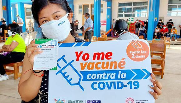 Joven vacunada en la jornada de hoy en el distrito de Iberia, en Madre de Dios | Foto: Diresa Madre de Dios