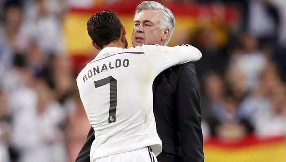 De acuerdo con Sky Sport, Cristiano Ronaldo llamó a Carlo Ancelotti para que le explicara todo lo relacionado con el balompié italiano, que sería su nueva plaza en la temporada 2018-19. (Foto: AFP)
