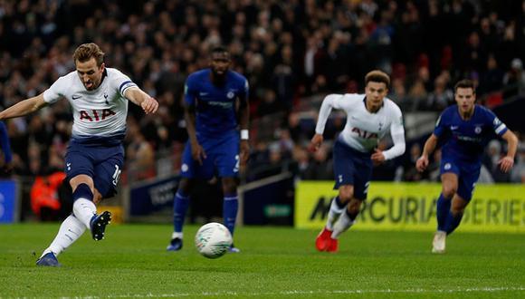 Harry Kane anota el gol de la victoria para el Tottenham, que gana 1-0 al Chelsea por la Carabao Cup 2019. (Foto: AFP)